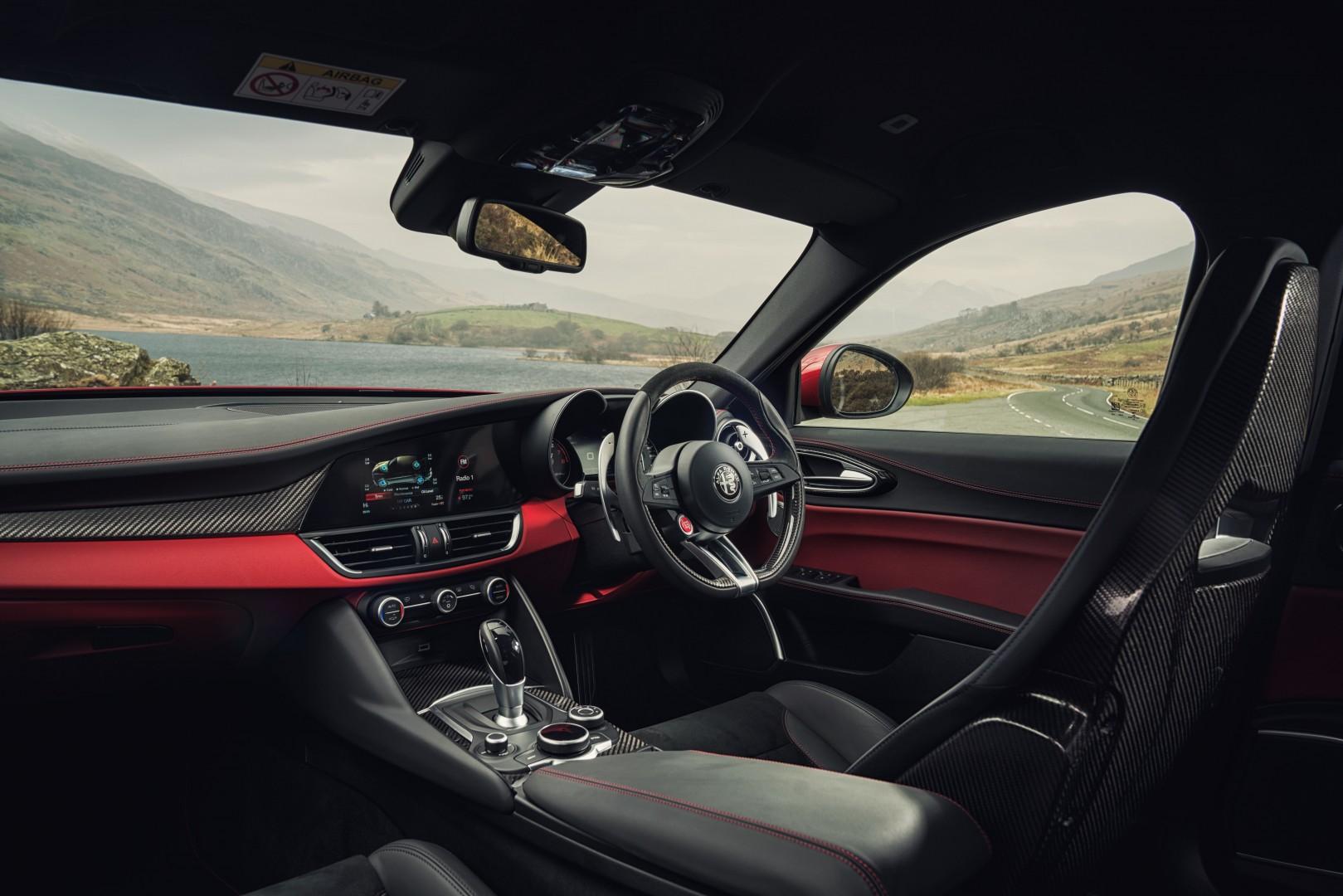 Alfa Giulia Quadrifoglio Interior