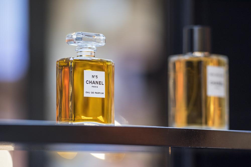 Columns The Big Bang Chanel No 5