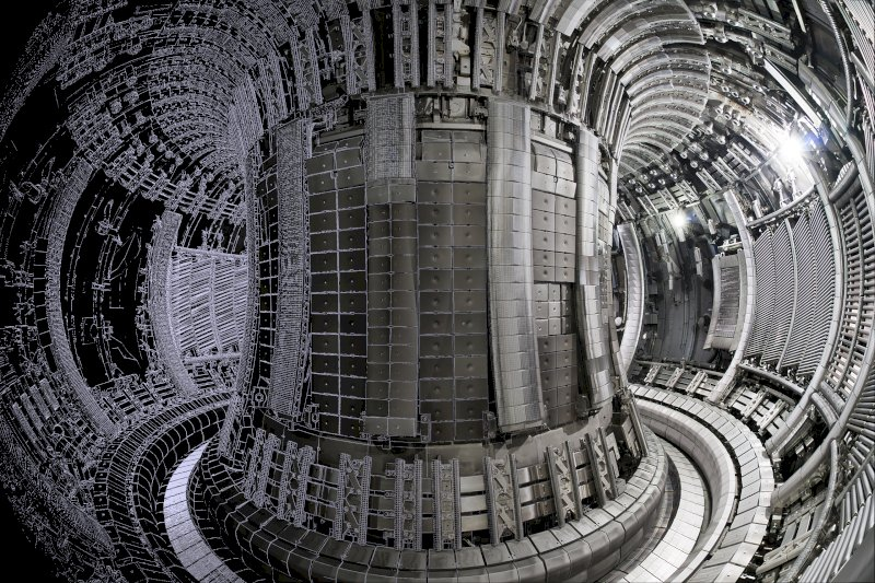 UK Atomic Energy Authority The tokamak inside grey