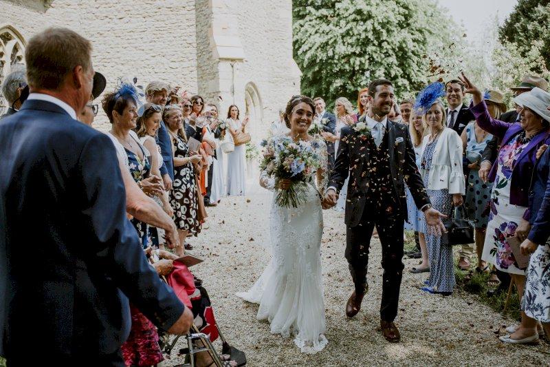 Real Wedding Tim and Viv confetti