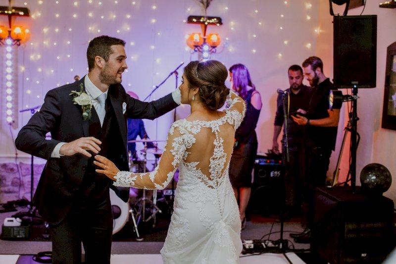 Real Wedding Tim and Viv First Dance