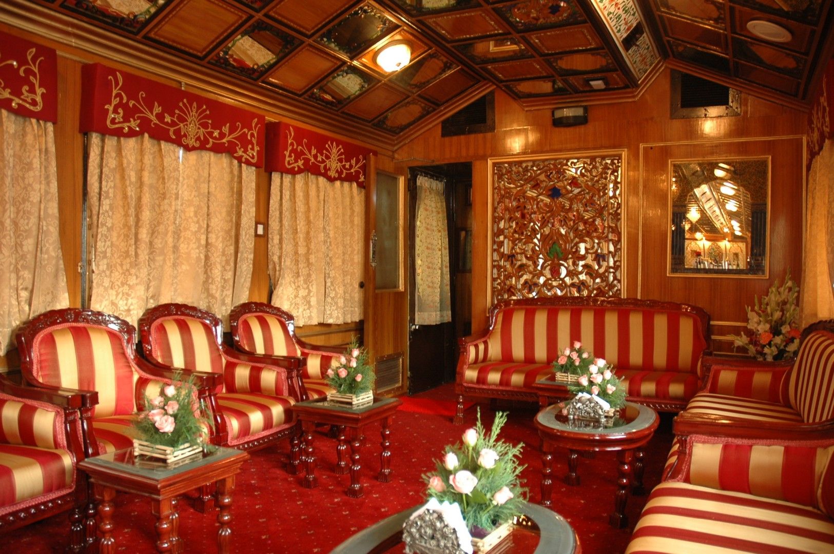 Great Railway Journeys of the World Palace on Wheels
