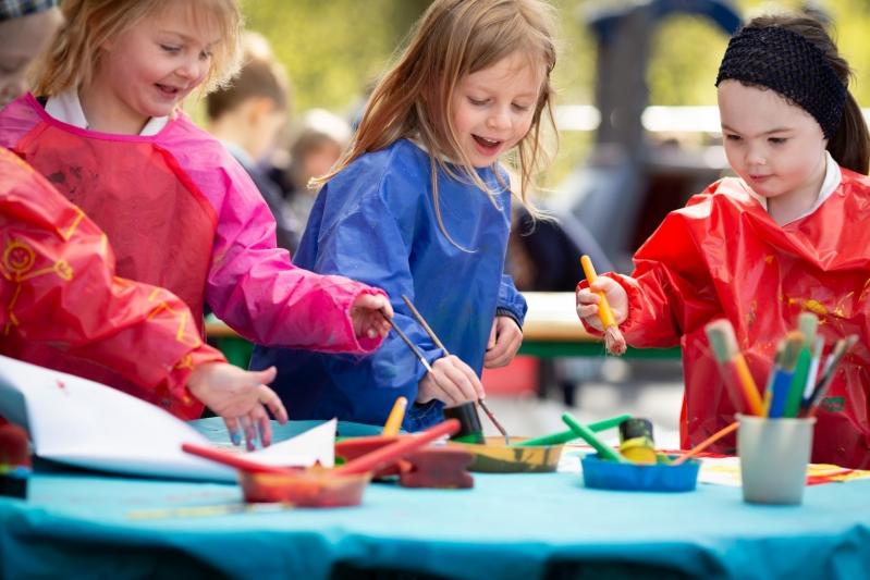Beachborough  pupils painting