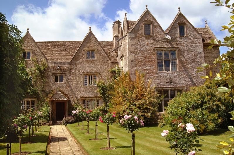 Kelmscott Manor from East Lawn