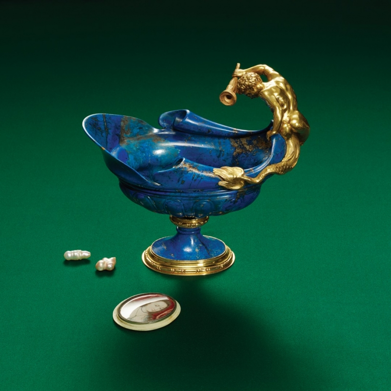 EWER 1600 1610. Gold and lapis lazuli Prague