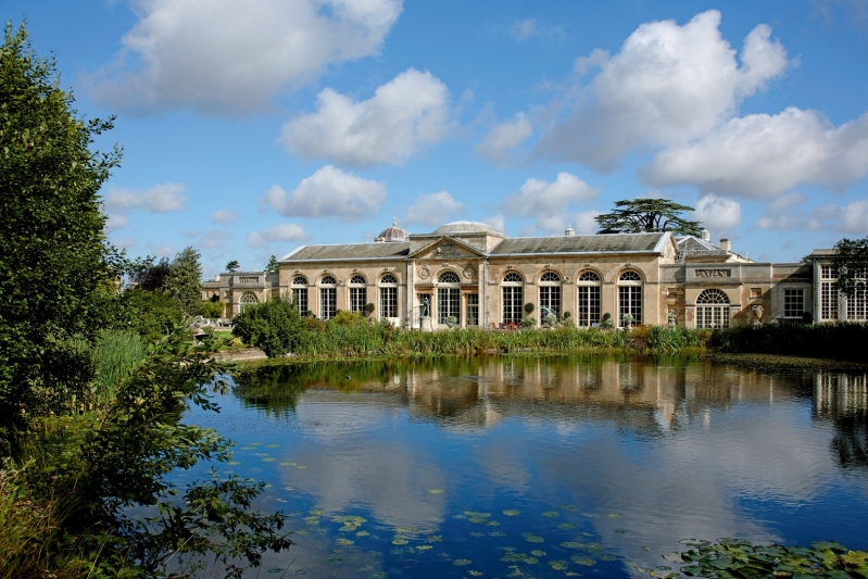 Woburn Abbey Weddings The Sculpture Gallery Camellia Lake