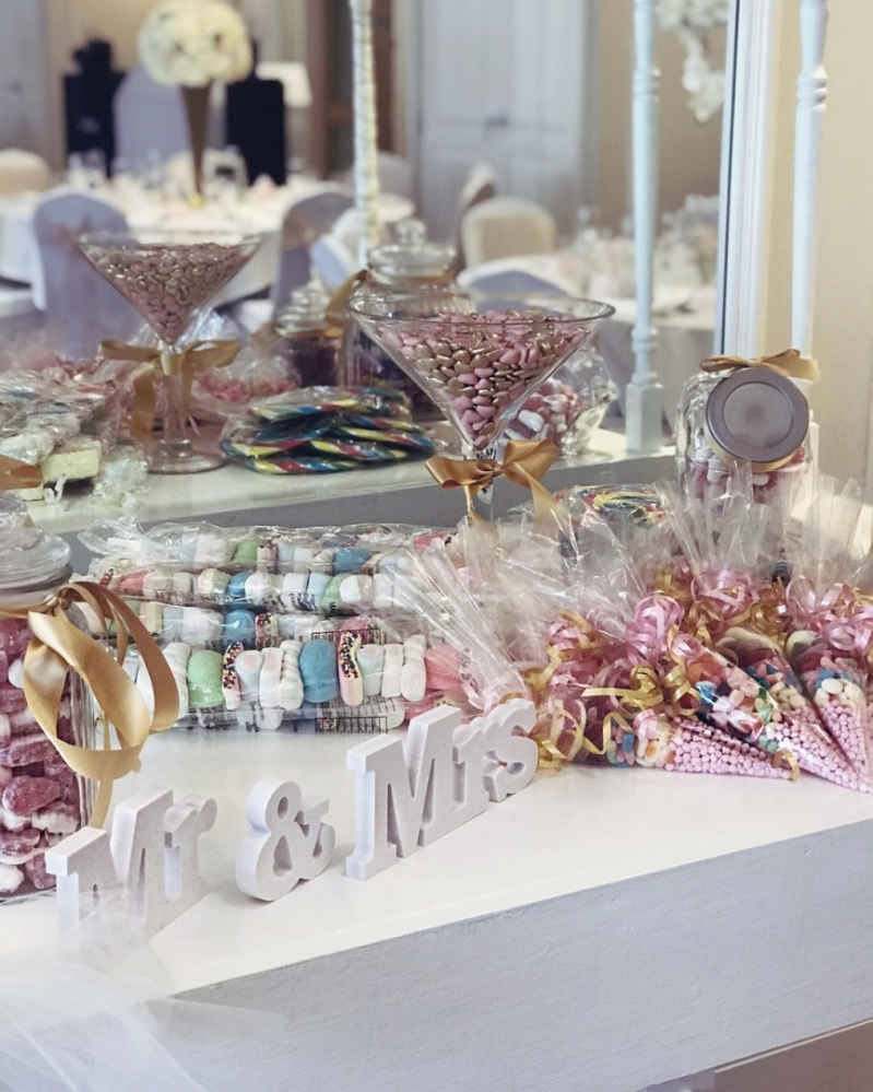 Bicester Hotel Wedding sweet table