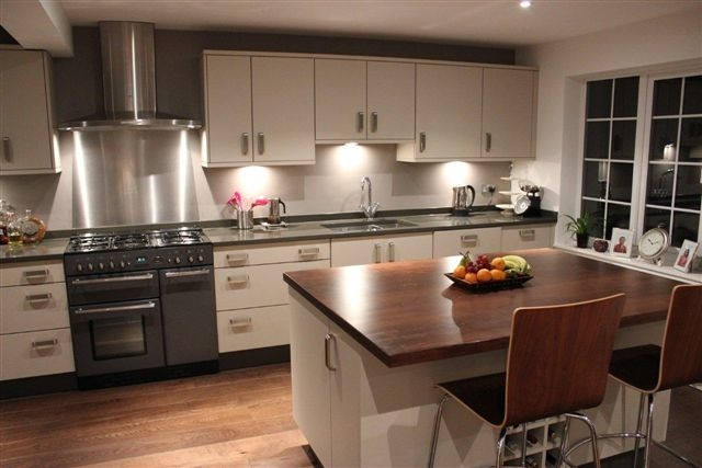 Woodwise Kitchens modern installation