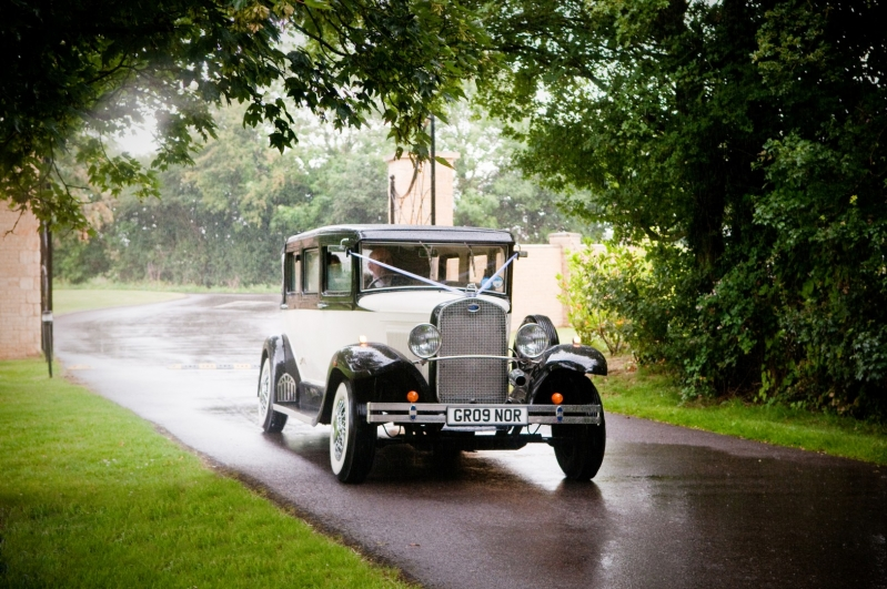 Bicester Hotel wedding car on drive